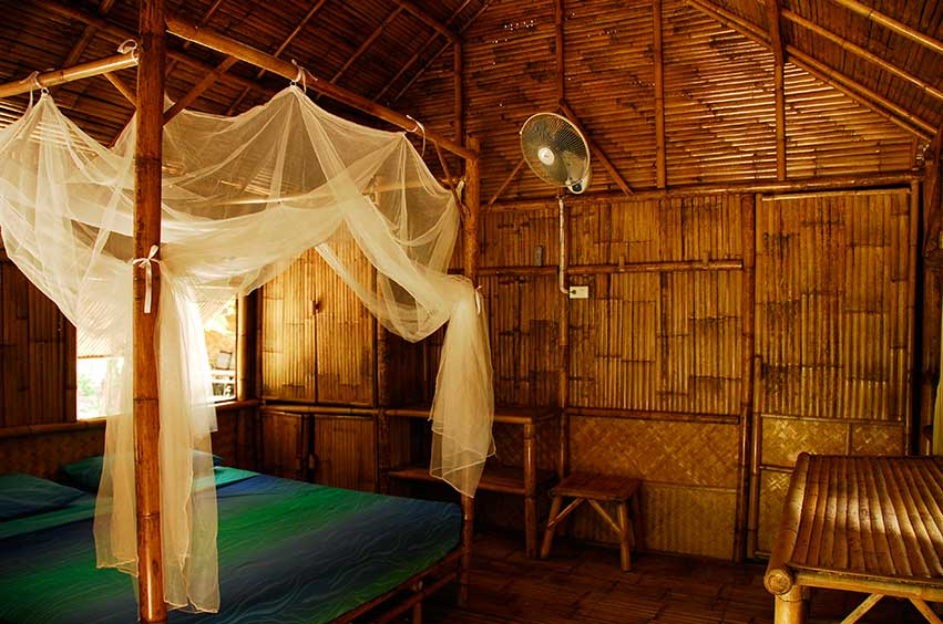 Green View Resort Koh Lipe:Beach Front Bungalow Hot Water Shower