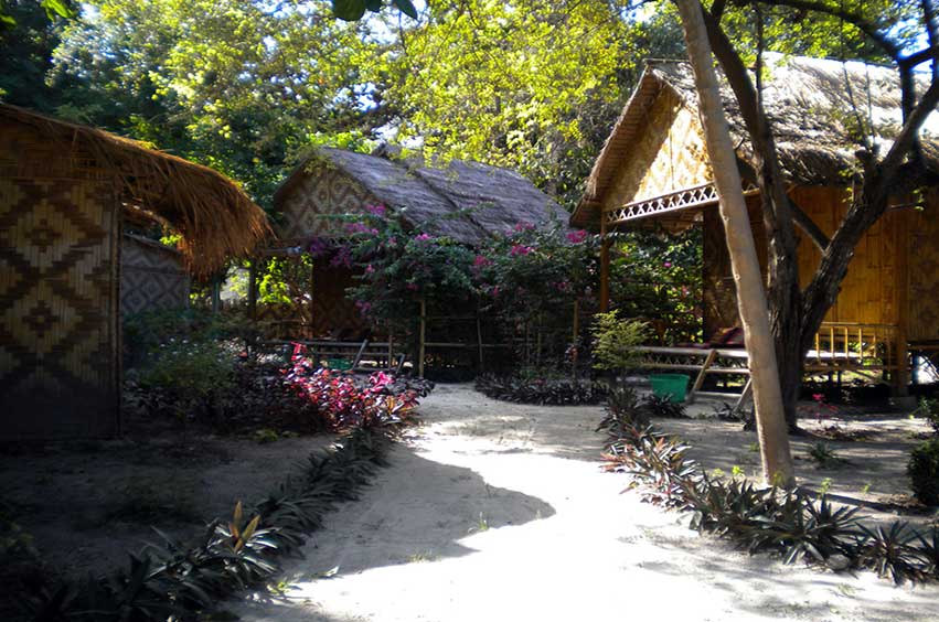 Green View Resort Koh Lipe:Garden View Deluxe Bungalow Hot Water Shower